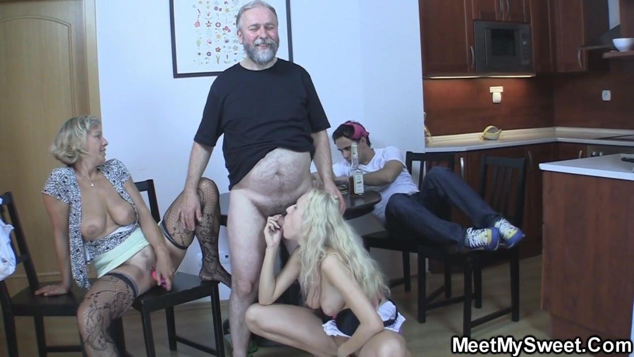 seks-svekra-so-snohoy-video