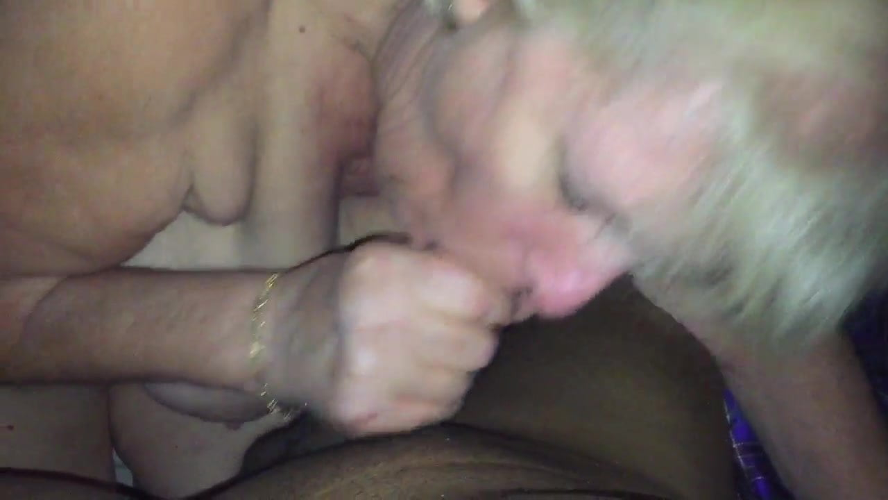 Porno Excellent gallery iphone porn cleavage blowjob