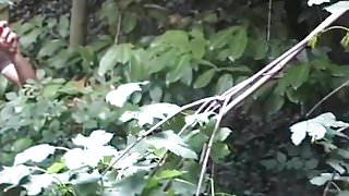Leona de la Rochelle suce dans les bois