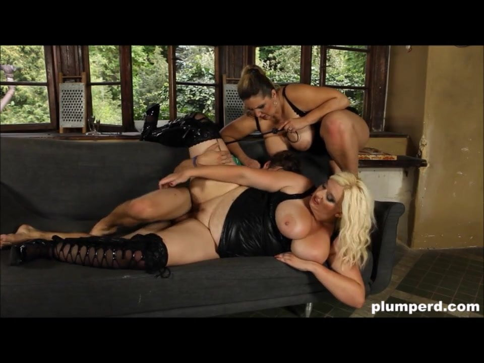 Plumperd bbw threesome with cumshots