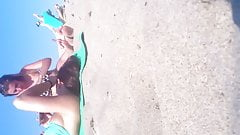 Candid teen Feet and toes at the Beach