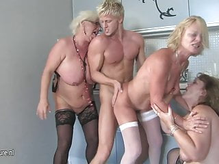 Download video bokep Hot group sex with old moms and young boy Mp4 terbaru