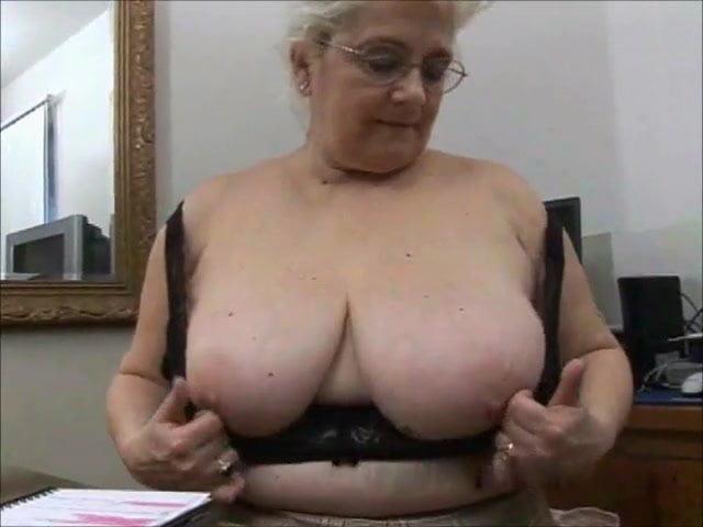 Mila kunis sexiest woman alive nude
