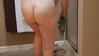 Walking in on naked mom