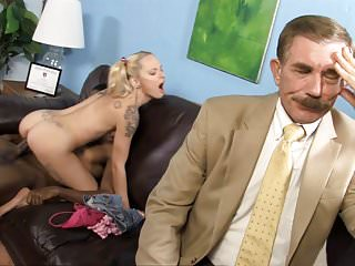 Teen Faye Runaway Fuck BBC Next To Her Father