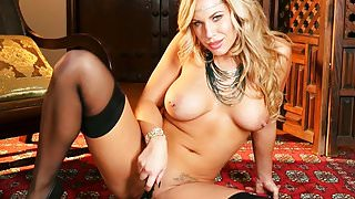 Busty MILF Olivia Austin masturbating