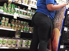 Big booty chick stocking cans n stuff