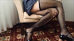 Sexy High Heels Mom Spy Upskirt