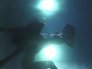 Lesbian underwater sex