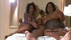 JuicynIkki & Shemale Tracey 3 Way