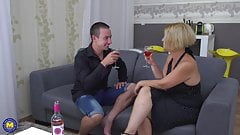 Amateur mature mommy fucks her boy