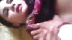 Muslimisches Bhabhi zum Ficken gezwungen