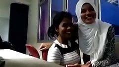 Lesbo Arab Hijab