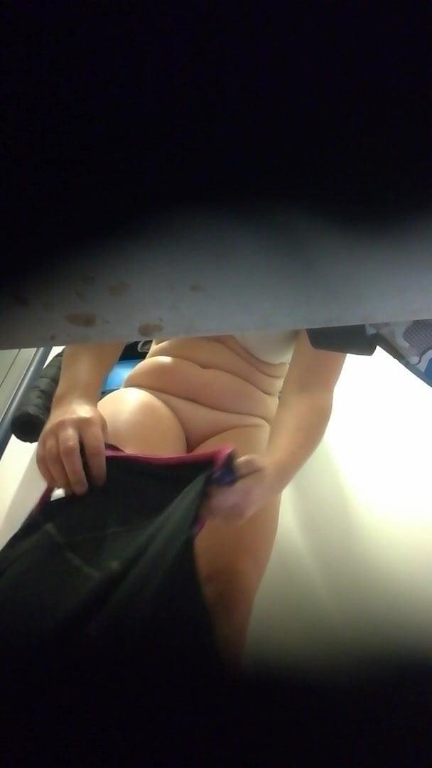 Free pool voyeur video-2998