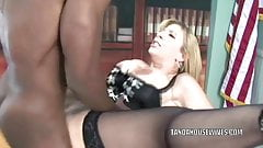Mature slut Sara Jay is in her office and getting fucked's Thumb