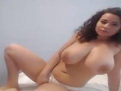 Huge Tits Brunnete On Webcam
