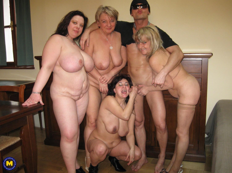 Зрелыми толстыми порно полные женщины в возрасте группа