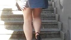 Upskirt woman 24 - Blonde young girl