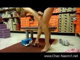 En Jupe Sans Culotte Dans Un Magasin, Porn 7f: