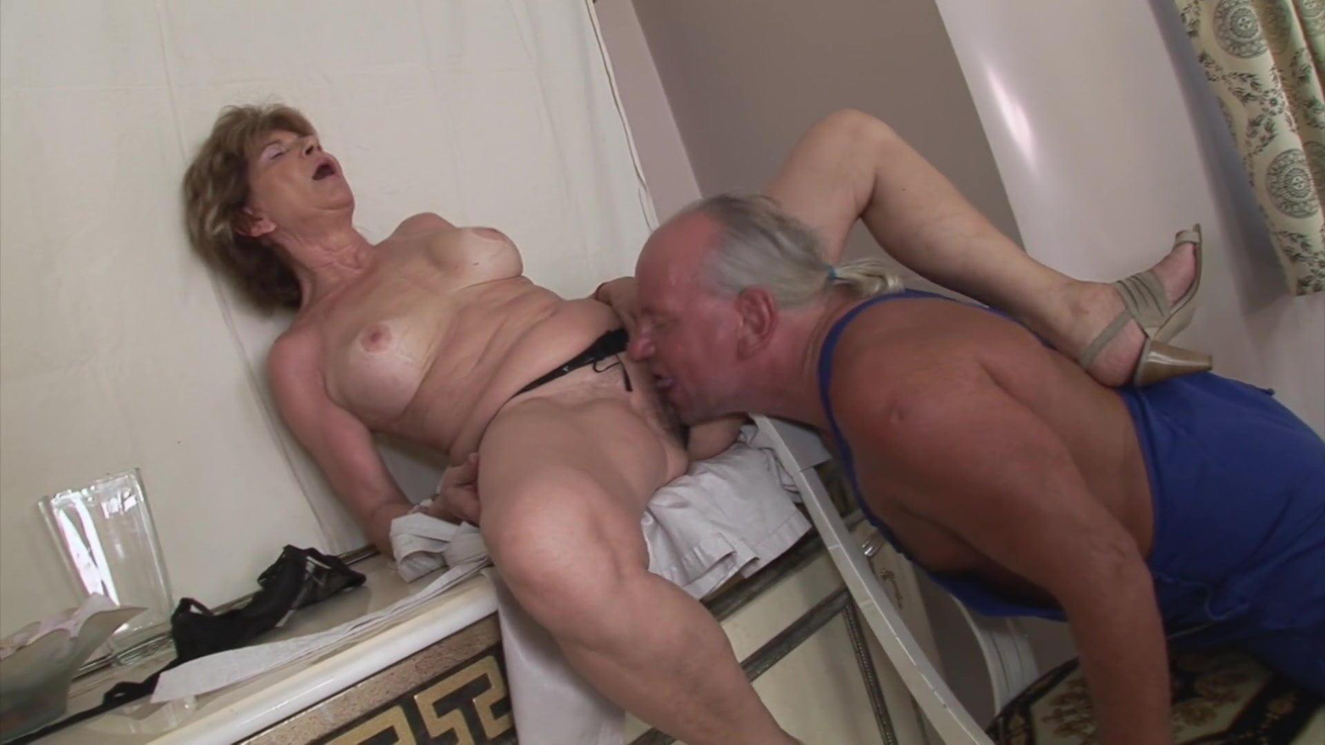 Katala  Repairman Anal Granny Mature Hairy Free Porn Ea-6374