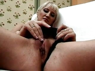Download video bokep Between mother and NOT her son Put NOT a sister Mp4 terbaru