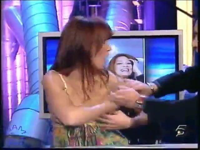 boob Silvia slip fominaya