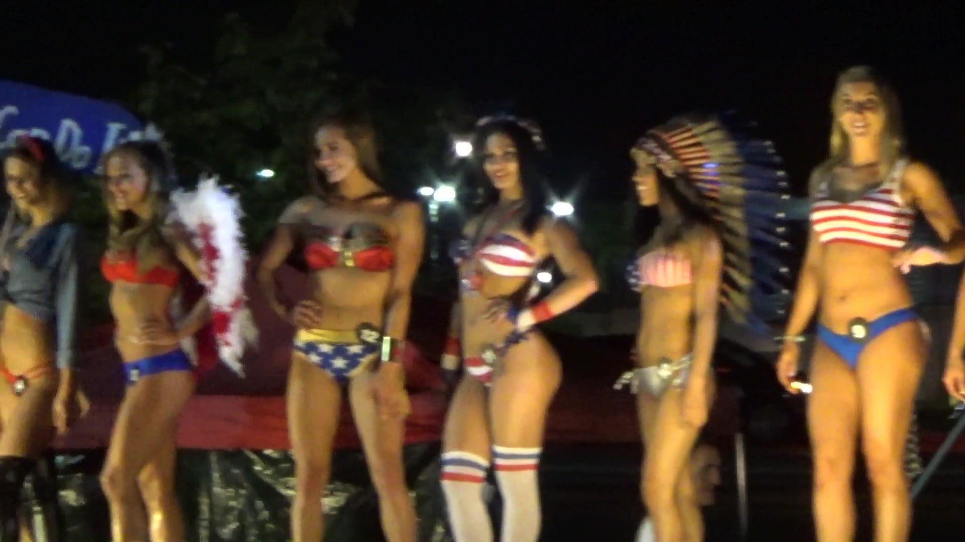contest 2010 hooter girl bikini