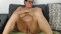 Huge tits n ass
