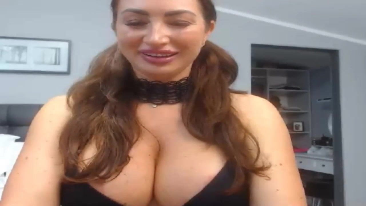 Big butts mature lady large pussy