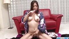 Mirei Yokoyama uses toy ro stimulate her desires