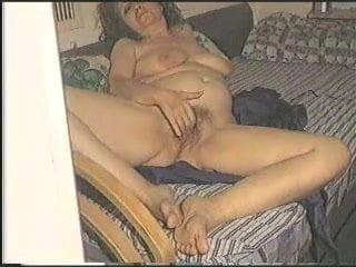 pornofilmi-zrelie-tetki-masturbatsiya-porno-skritaya-kamera-onlayn-transvestita