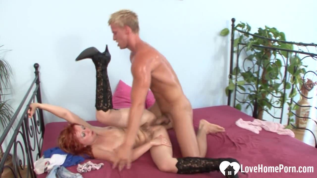 Redhead woman is very passionate about cock riding.mp4