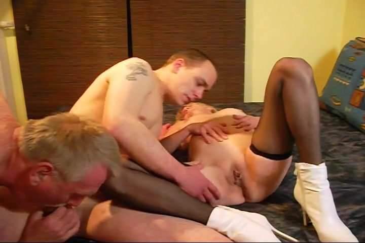bisexuelle paare männer lecken muschi