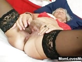 Ugly grandma Cecilie toys herhairy pussy