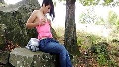 setanda en unar rocas se masturba