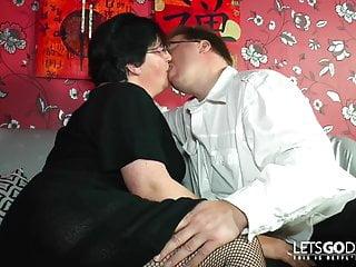 Frisch Fleisch Mama ins Koma gebumst