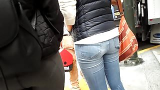 BootyCruise: Two Fine Asian Asses 2