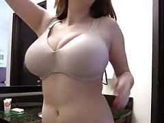 Teen showing her sweet big mellons