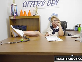 Handjob sex videoes - Realitykings - sneaky sex - phoenix marie tony rubino - ms b