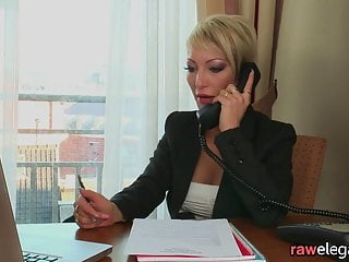 Video bokep online Elegant euro babe toying her asshole  3gp