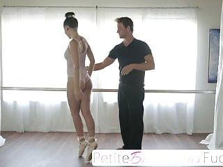 Sacudiendo Pijazos A Bailarina Culo Parado - Joseline Kelly