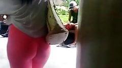 Culazo en leggings rosas