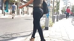 Bubble Butt VPL walking the street