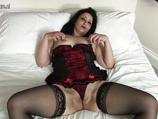 Hot Arab British MOM getting naked and naughty