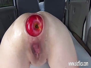 Download video bokep Extreme anal fisting and XXL apple insertions Mp4 terbaru