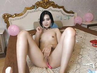 Korean Camgirl Masturbate