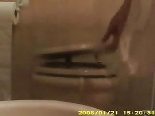 Download video bokep NOT My mom in toilet washing pussy. Hidden cam Mp4 terbaru