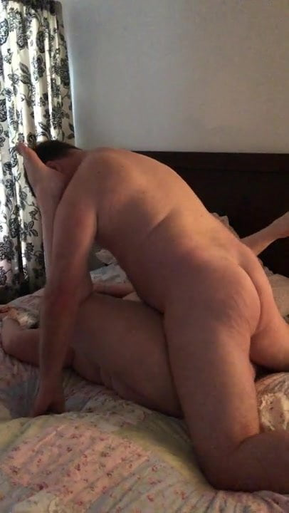 Brunettes hairy pussy videos