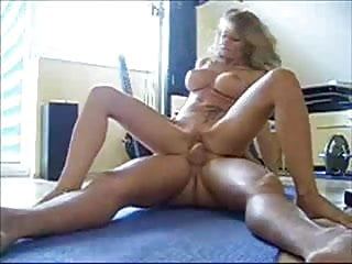 Hot blonde gives nice masturbation,suck &fuck in a gym club