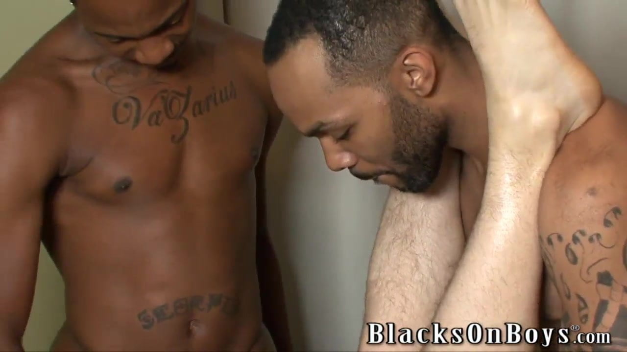 Black twink tries for first time a blowjob